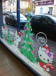 decoration-vitrine-noel-paque-halloween-deco-saint-valentin-hello-kitty.jpg