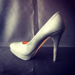 talon-personnalise-by-bam-escarpin-customise-tager-graffer-chaussure-grafer.jpg